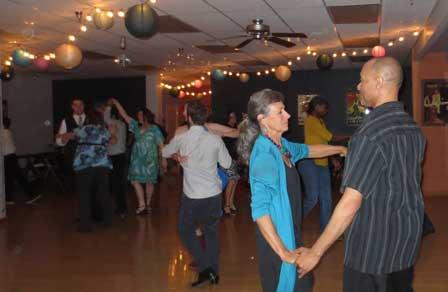 Night Groove Dance Pary